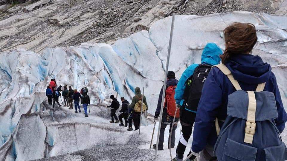 nigardsbreen glacier hike tour