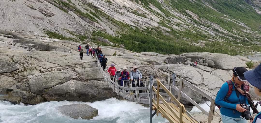 glacier hikes in europe