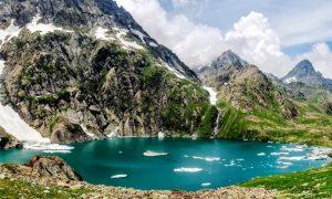 trekking to great lakes of kashmir