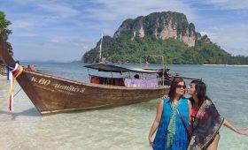 Trip Leader Niyati Saxena and mom