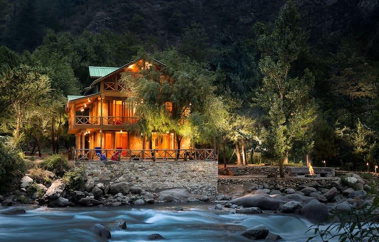 Sunshine Himalayan Cottage