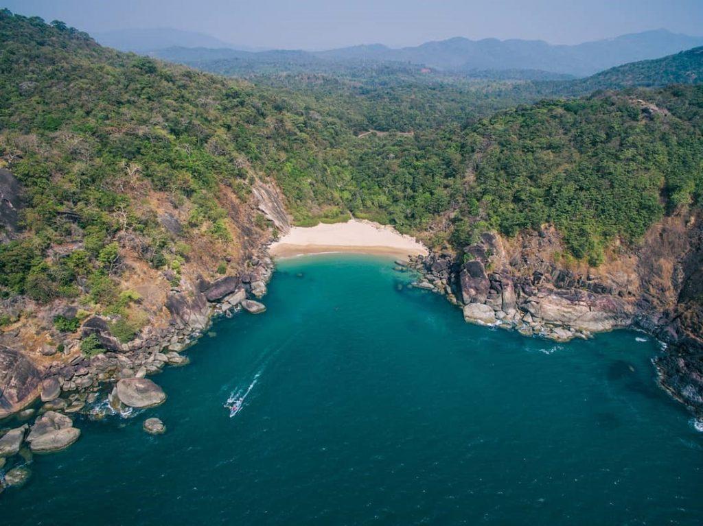 How to reach Butterfly Beach in Goa