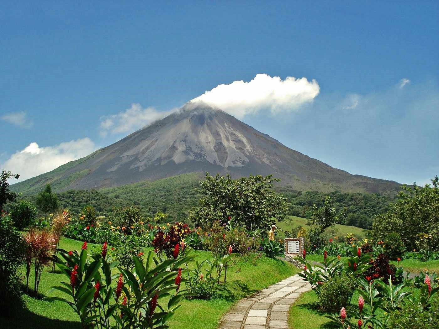 1)Arenal, Costa Rica