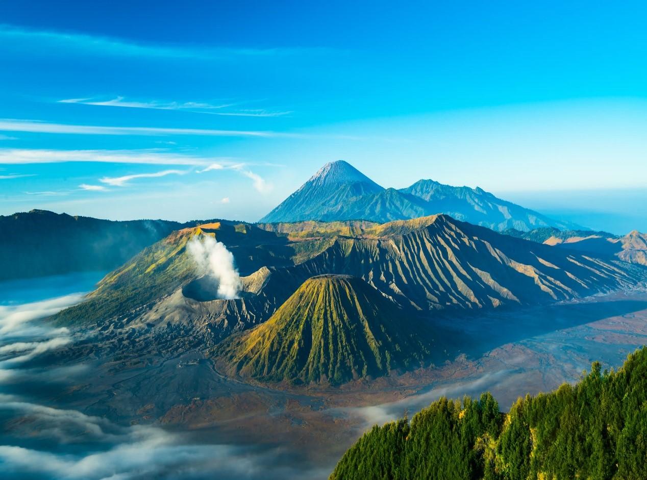 3)Mount Bromo, Indonesia