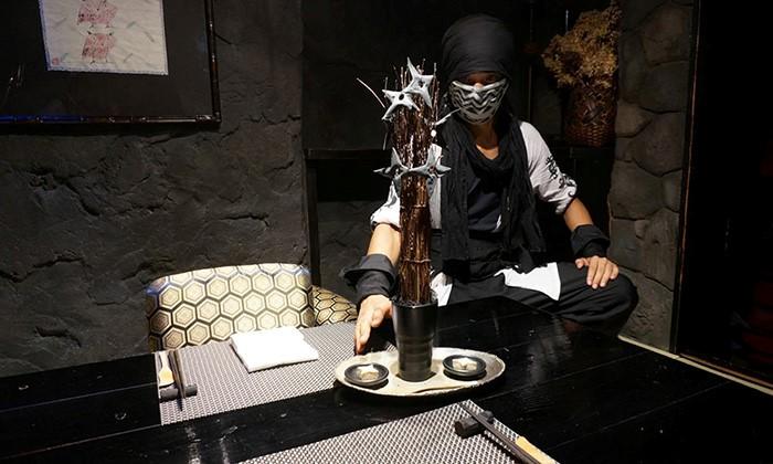 Ninja Akasaka: Ninja Café