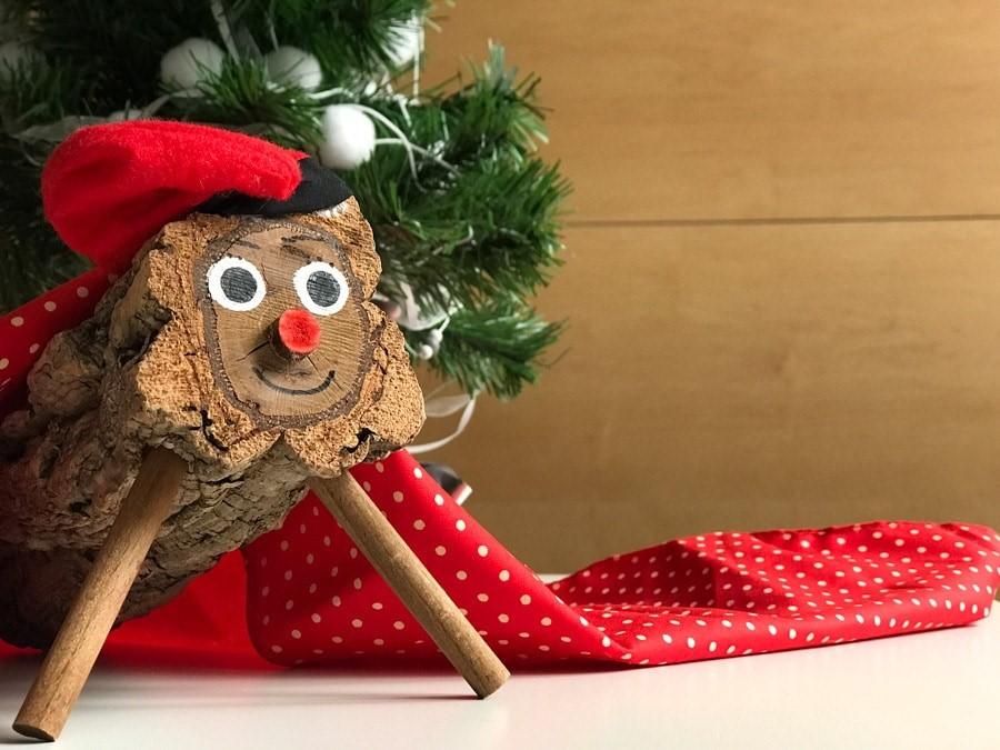 Meet the Poop Log in Spain