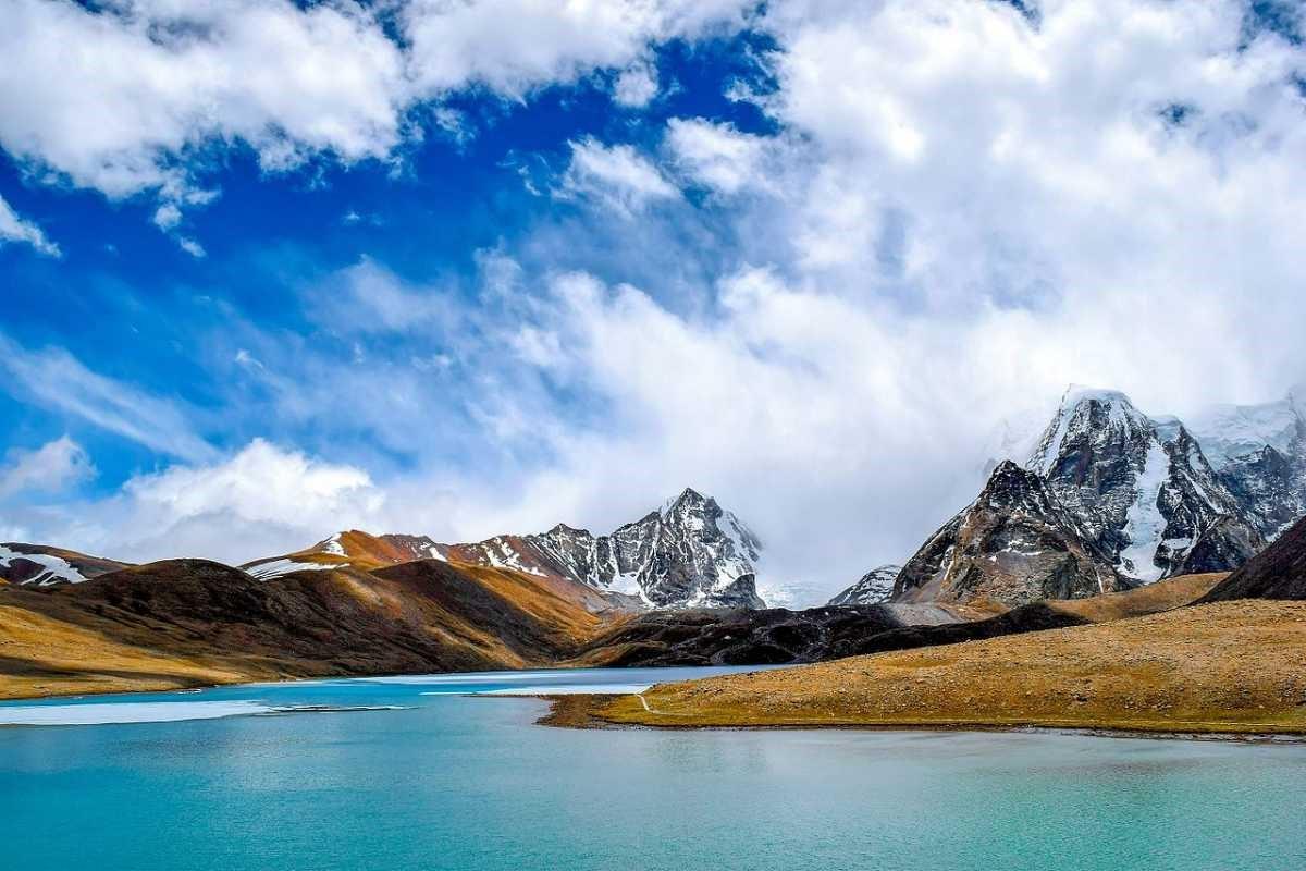 2)Gurudongmar Lake