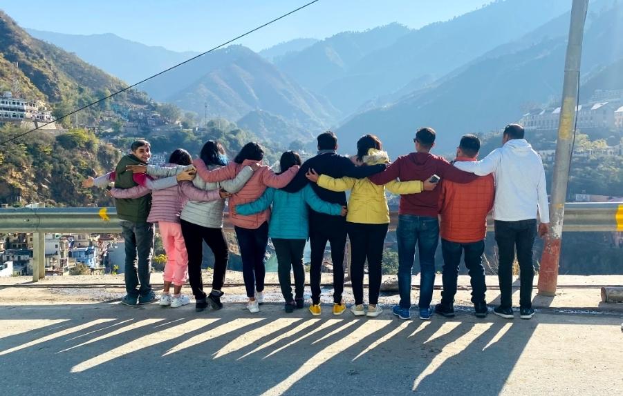 Auli group trips