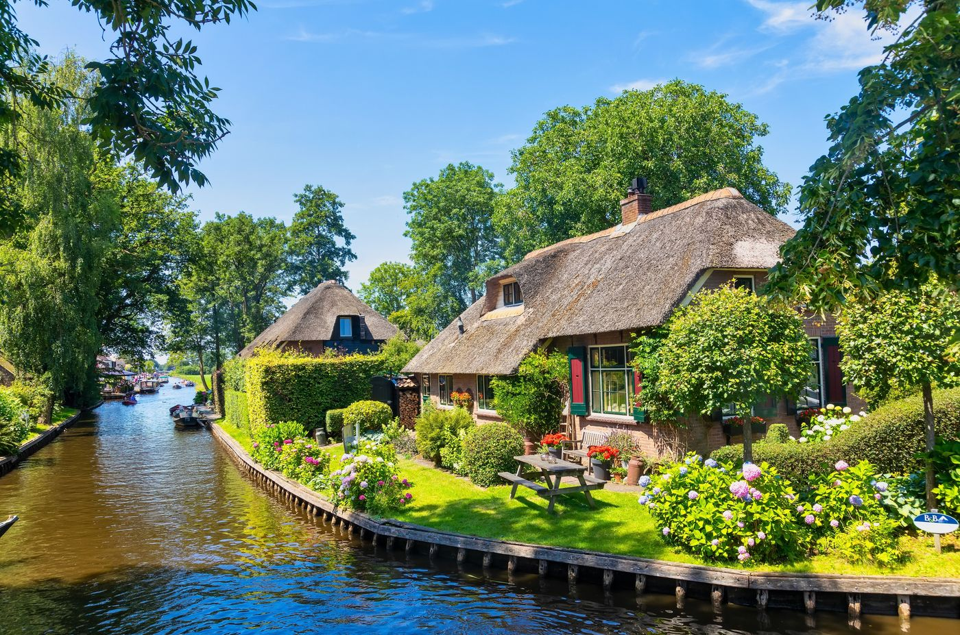 how to reach Giethoorn