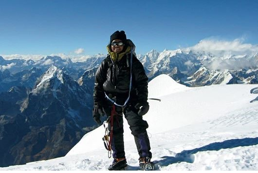 first wman to climb everest