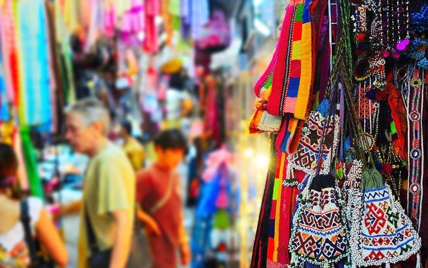 street shopping in bangkok